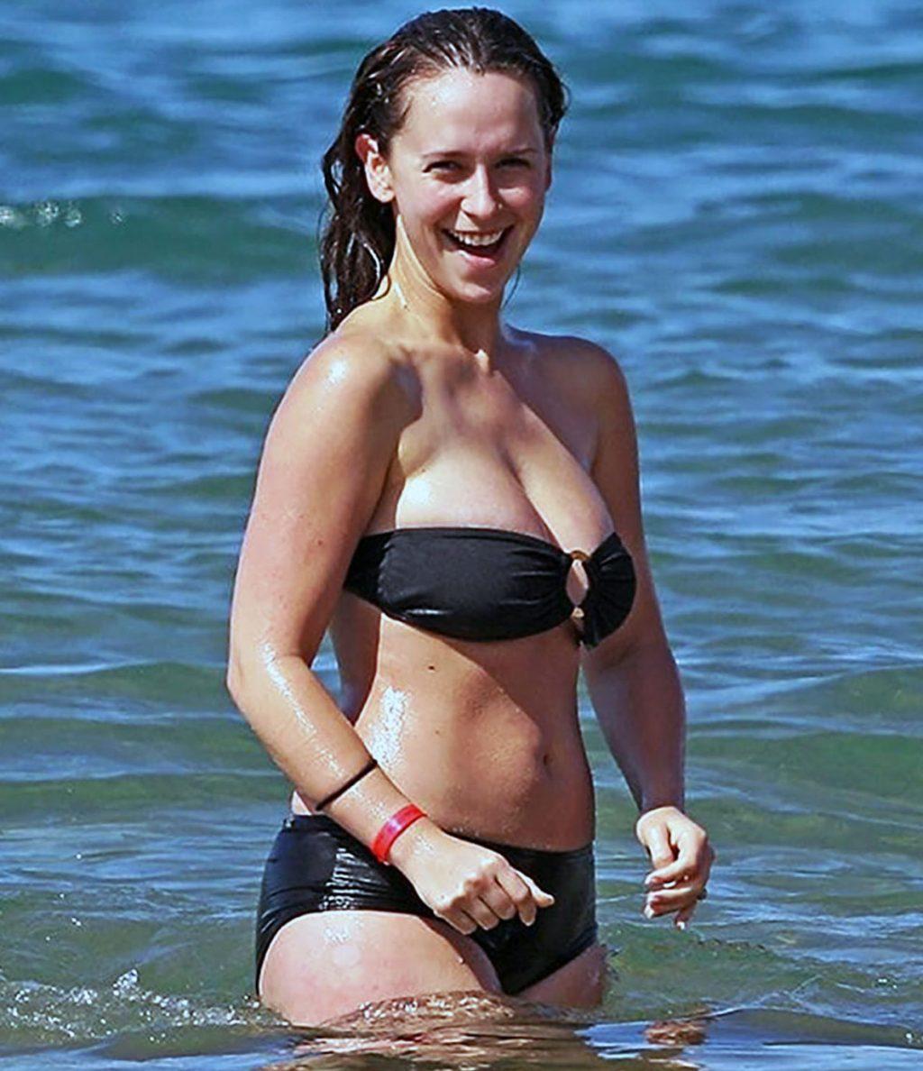 Topless jennifer love hewitt Jennifer Love